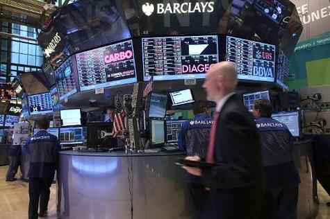 Wall-Street-ouvre-en-nette-baisse_article_main